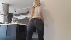 Blonde bebe jeans messy -Thefartbabes (Full Hd 1080p)
